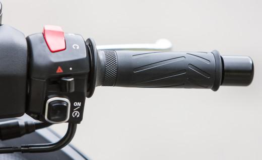 2015-Yamaha-TMAX-details-5513