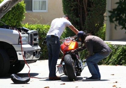 Matthew+Paetz+Motorcycle+Trouble+Outside+Lea+RnThkEfjM1jl