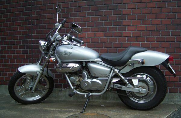 Honda_MAGNA50_2007-01